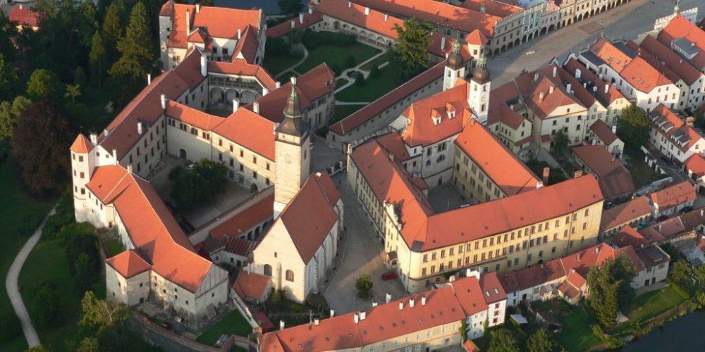 Замок Телч — необходимо посетить в обязательном порядке